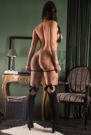 Jeanne-louise erotic massage in Shelbyville