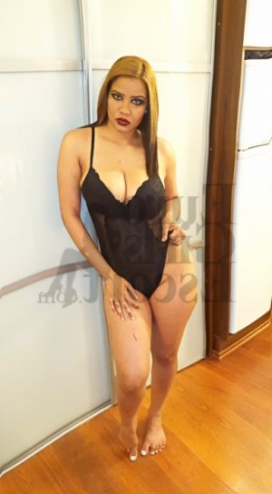 Arsena nuru massage in Fairwood