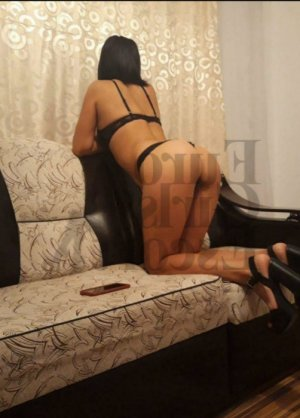Juhayna nuru massage in La Crescenta-Montrose California