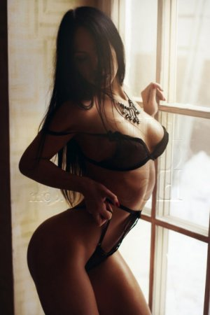 Lysie nuru massage in Lauderhill Florida